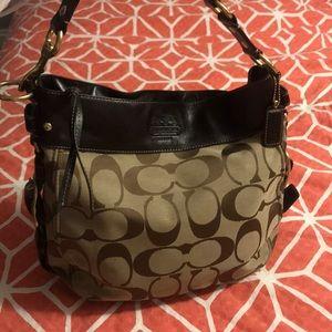 COACH like new hobo style shoulder bag